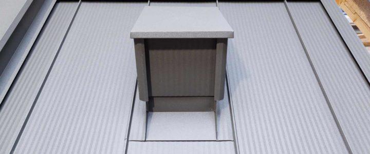 Panele click obróbki blacharskie komina i attyki
